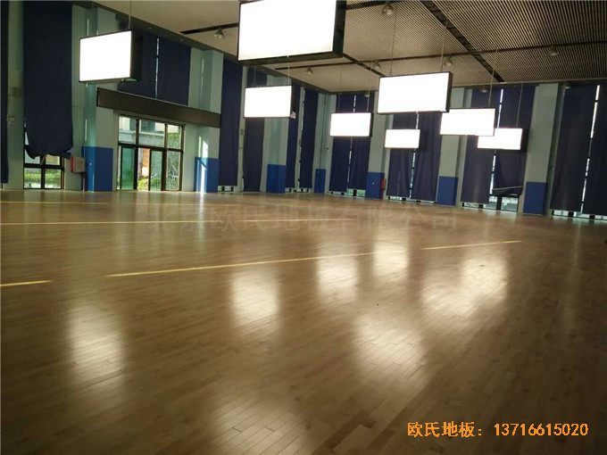 广东珠海市中航花园羽毛球馆运动木地板铺设案例