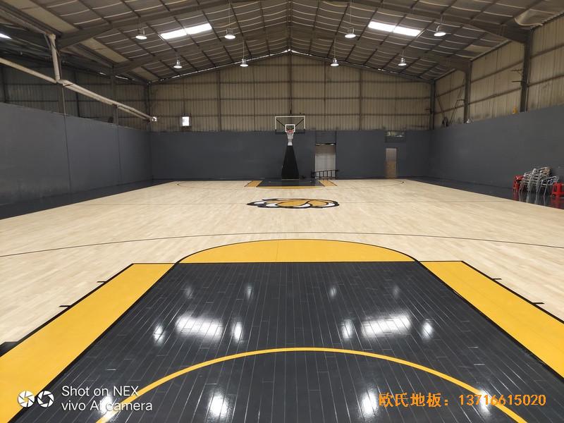 泉州侨乡壹吨篮球场运动地板铺装案例