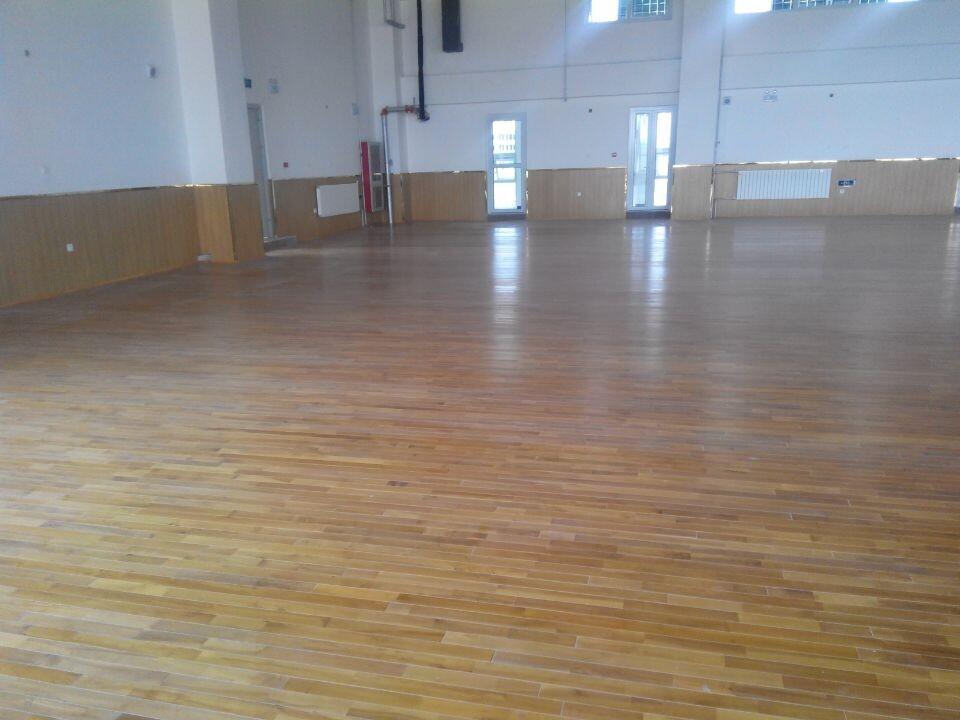 运动实木地板价格主要取决于材质和功能