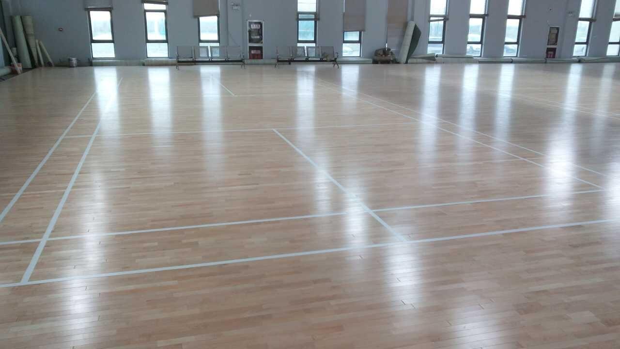 冬季体育馆运动木地板保养小妙招