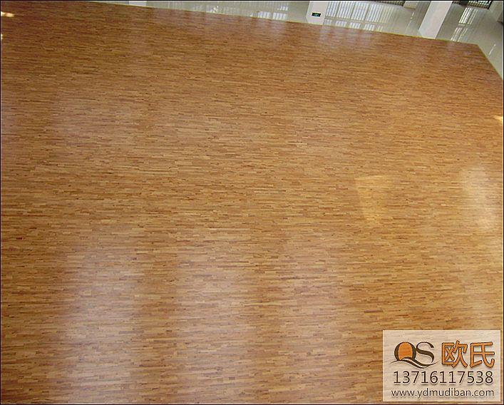 运动木地板木材的蛀孔