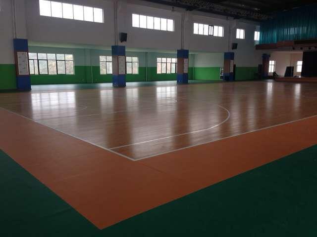 江西婺源茶叶学校实木运动地板+PVC塑胶运动地板施工案例